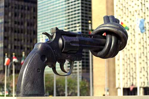U.N. Knotted Revolver Statue