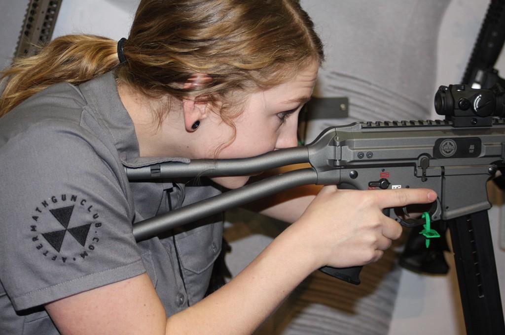 LWRC45SMG&GunDoll